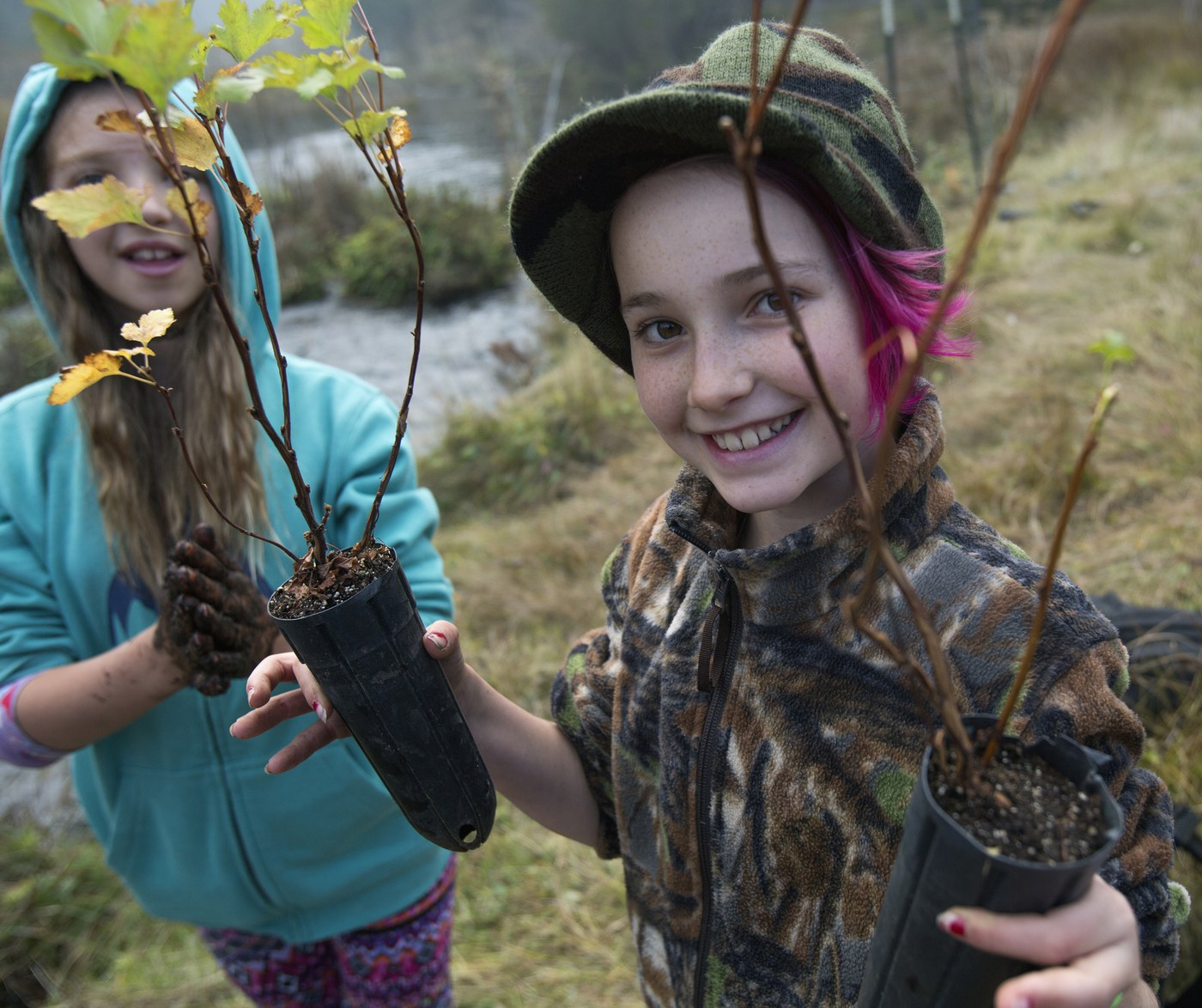 Bend students participate in a stewardship work party at Spring Creek. Photo: Jay Mather